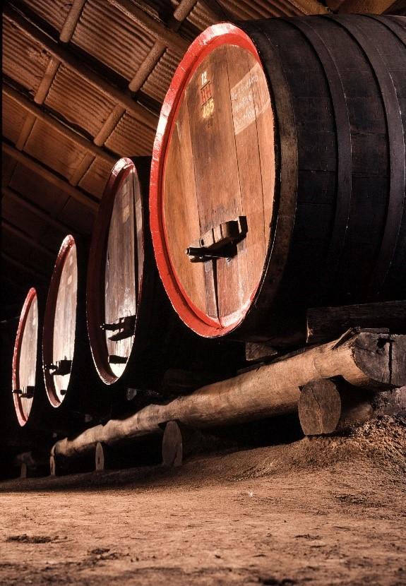 Tyrells-wine-barrells
