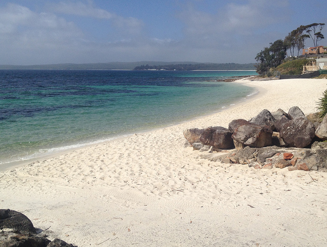 Hyams-beach-white-sand